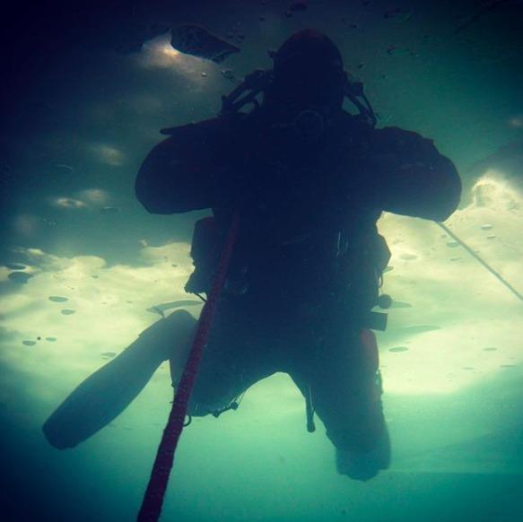 plonger sous glace